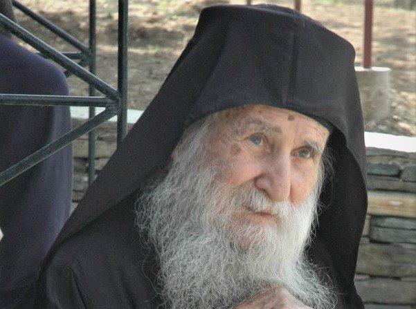 Πώς ο Γέροντας Ιωσήφ τακτοποίησε τον ιερομόναχο που τον λοιδόρησε! - Ιερά  Μεγίστη Μονή Βατοπαιδίου